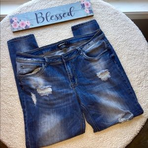 Dollhouse Charley Distressed Jeans